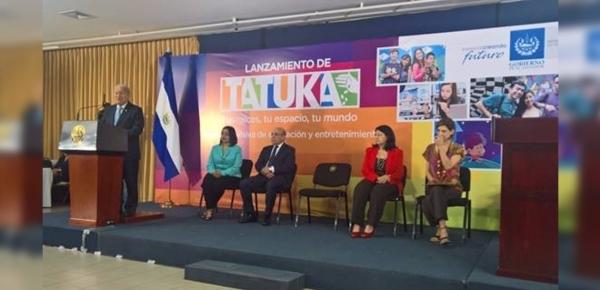 Embajadora de Colombia en El Salvador participó en el lanzamiento de Tatuka: franja televisiva de educación y entretenimiento