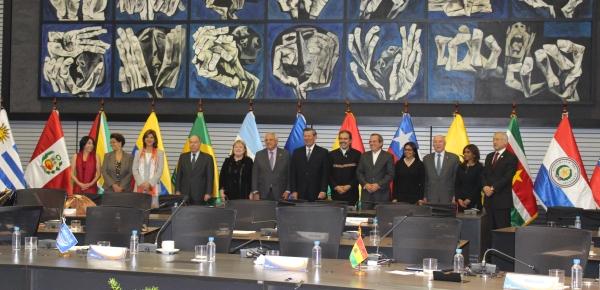 Alt Foto oficial de la Reunión Ordinaria de Ministras y Ministros de Relaciones Exteriores de UNASUR