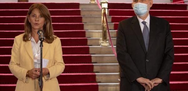 """""""No habrá tolerancia con nadie que viole los Derechos Humanos en Colombia"""": Vicepresidenta"""