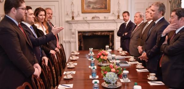 """Hay """"una oportunidad que tenemos que aprovechar para que se materialice el cambio en Venezuela y podamos restablecer la democracia"""": le dijo al Presidente Duque el Embajador de Venezuela en Estados Unidos"""