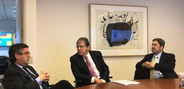 Crisis migratoria, tema principal de la reunión entre el Canciller Carlos Holmes Trujillo y el Presidente BID, Luis Alberto Moreno
