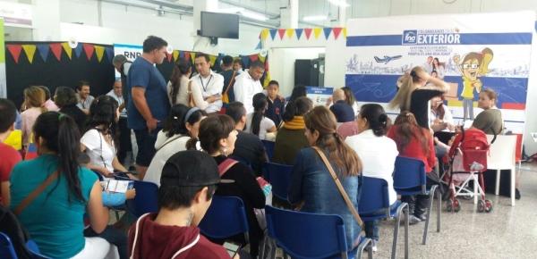 La Feria de Servicios para colombianos en Buenos Aires recibió 2.500 asistentes durante su primera versión