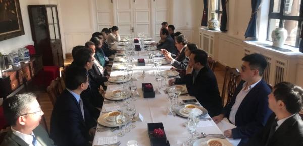 Empresarios e inversionistas chinos conocieron oportunidades y fortalezas de la economía colombiana, durante el encuentro con el Canciller Carlos Holmes Trujillo
