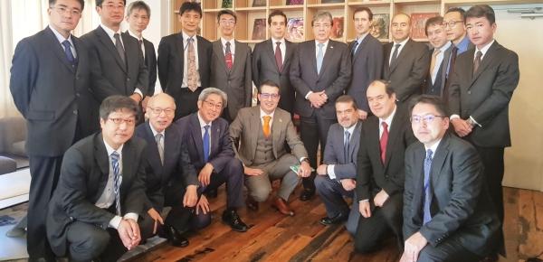 """En Tokio, Canciller Carlos Holmes Trujillo anunció misión exploratoria, """"cuyo objetivo será encontrar formas para promover las industrias creativas en Colombia en colaboración con Japón"""""""