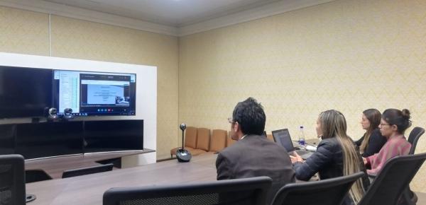 Los 120 consulados de Colombia reciben actualización en temas de registro civil