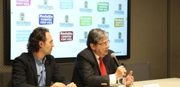El Canciller Carlos Holmes Trujillo dialogó con el Alcalde Federico Gutiérrez sobre la elección de Medellín como sede de la próxima Asamblea General de la OEA y las medidas para la migración de venezolanos