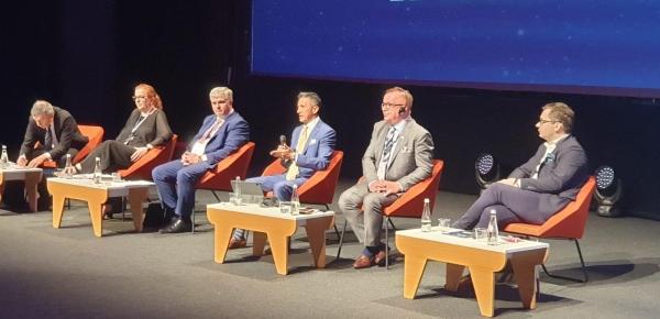 Embajador Javier Higuera visitó Torun para participar en el Welconomy Forum y reunirse con el Vicemariscal de Cuyavia y Pomerania y el Alcalde